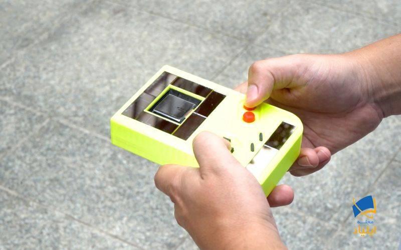ساخت آتاری دستی که بدون باتری کار میکند